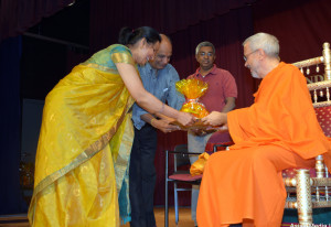 Swamiji honored after discourse