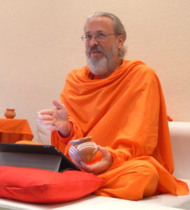 Swamiji teaching at retreat